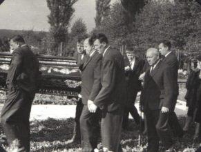 Na hřbitově v Choustníkově Hradišti.
