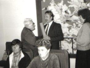 Čestné uznání přebírá Viktor Schön ze Dvora Králové.