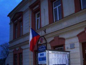 Budova obecního úřadu a pošty.