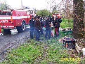 Občerstvení pro hasiče.