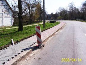 Stavba chodníku v Dolních Vlčkovicích.