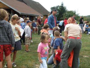 Děti na začátku hasičského dnu.