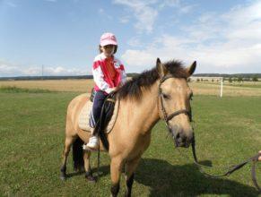 Dítě na koni.