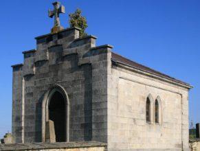Hřbitovní kaplička.