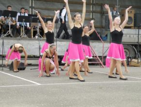 Vystoupení taneční skupiny.