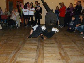 Vystoupení dětské taneční skupiny.
