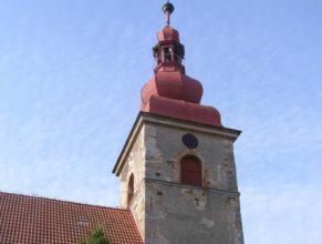 Kostel před sundáním věže.