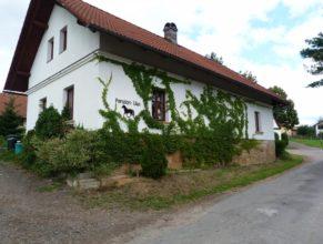 Penzion Lika v obci Úhlejov.