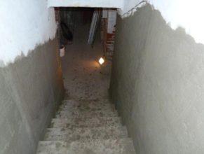 Vchod do sklepa.