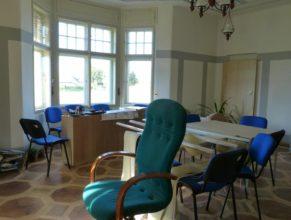 Jednací místnost obecního úřadu.