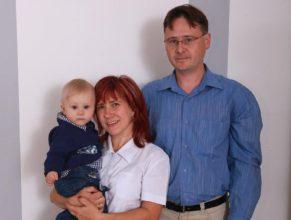 Rodiče s potomkem.