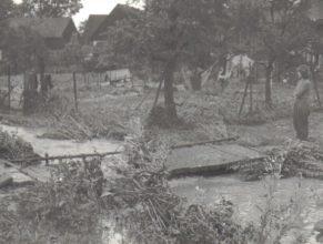 """mostek přes potok """"na malé straně"""" blízko Chmelíkových"""