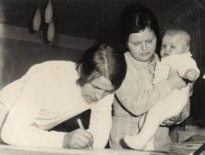 Jan a Milena Kloudovi s dcerou Simonou, narozenou 20.3.1972.