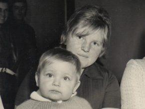 Volfová Naďa s Jiřím narozeným 2.4.1972.