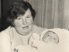 Pelcová Marie s dcerou Václavou narozenou 3.11.1972.