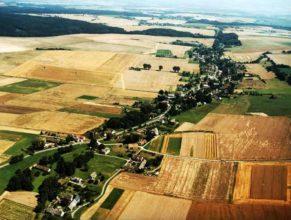 Letecký snímek obce.
