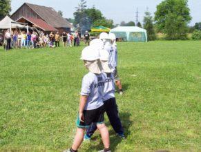 Děti SDH Vlčkovice připraveny k útoku.