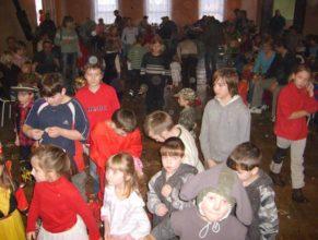 Děti poslouchající další program.