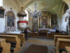Uvnitř kostela sv. Josefa.