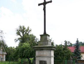 Křížek vedle kostela sv. Josefa.