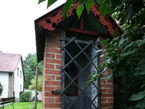 Kaplička na pozemku rodiny Otavovy, Horní Vlčkovice čp. 56.