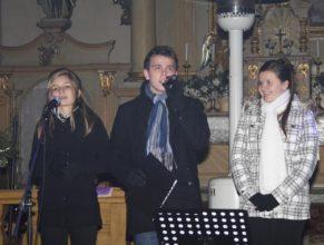Zpěvačky a zpěvák.