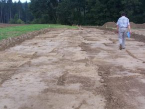 Výstavba cesty C 2.5 HV směrem k lesu Bokouš.