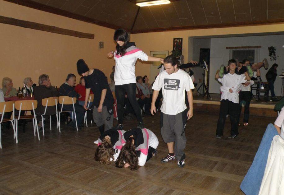 Vystoupení dětských tanečních skupin