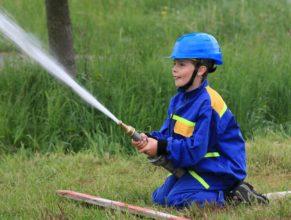 Malý stříkající hasič.