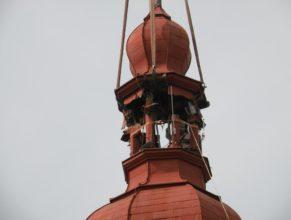 Odřezávání věže.