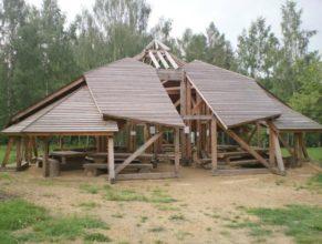 Dřevěná stavba.