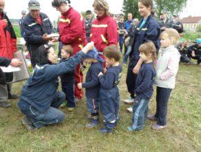 Předávání cen malým hasičům.