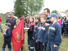 Malí hasiči SDH Choustníkovo Hradiště.