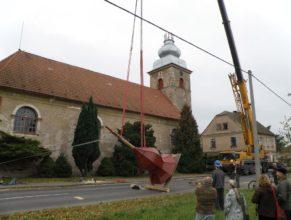 Stavění nové kupole.