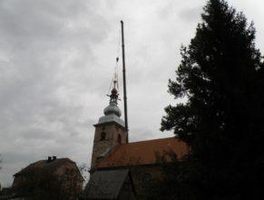 Nová kupole na kostelní věži.