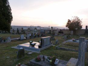Hřbitov.
