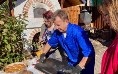 Sousedské pečení chleba